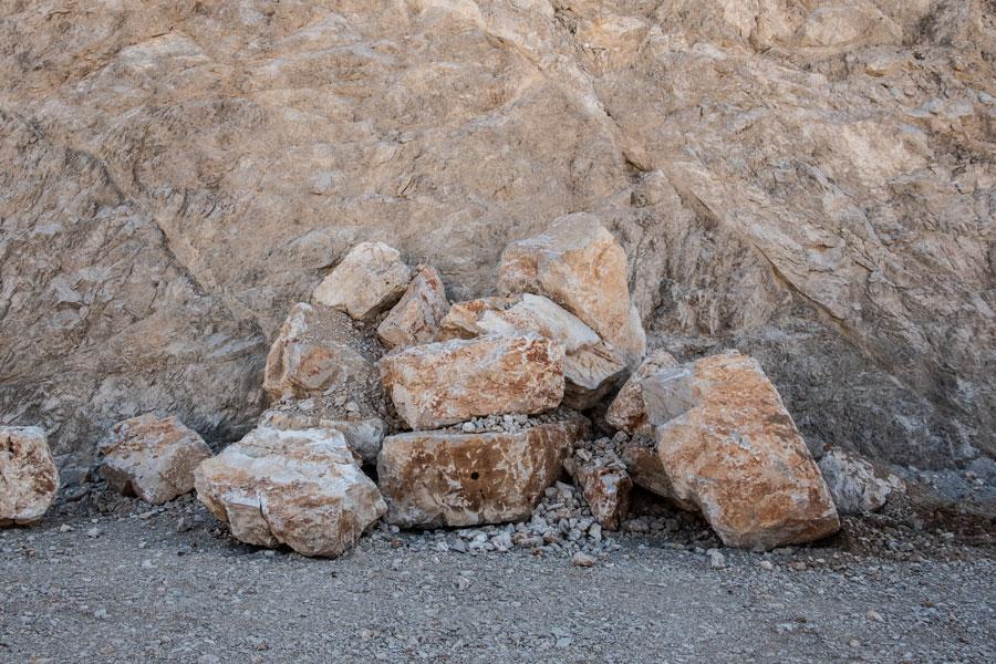 Tra i materiali da cava ecco i Massi da Scogliera prodotti dalle Cave Cardi.
